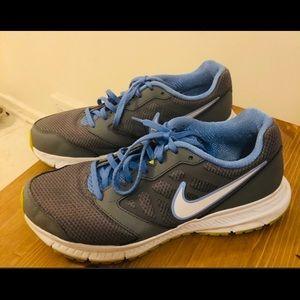 ✅ Nike down Shifter